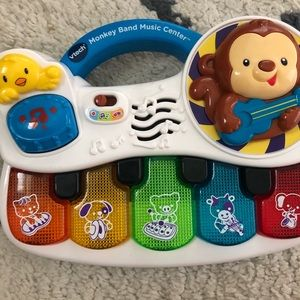Kids piano toy lights up
